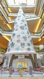 Albero di Natale al centro commerciale della passeggiata di festival, Hong Kong Immagini Stock