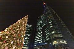 Albero di Natale in aulenti di Gael della piazza fotografie stock