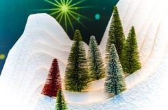 Albero di Natale bianco come la neve con la decorazione Immagine Stock Libera da Diritti