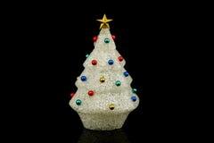 Albero di Natale bianco con gli ornamenti Fotografia Stock Libera da Diritti