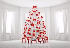 Albero di Natale bianco nella stanza 3d interno Fotografie Stock Libere da Diritti