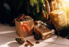 Albero di Natale con i regali Fotografie Stock