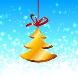 Albero di Natale con il nastro rosso sull'azzurro Fotografia Stock Libera da Diritti
