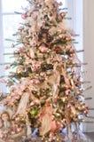 Albero di Natale con le bambole della Cina fotografia stock