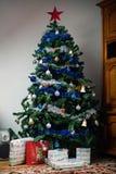 Albero di Natale decorato fotografie stock
