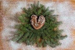 Albero di Natale decorato con il gallo Fotografia Stock