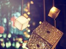 Albero di Natale decorato sull'vago su, scintillando Immagini Stock Libere da Diritti