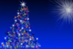 Albero di Natale dell'illustrazione contro cielo blu Immagini Stock Libere da Diritti