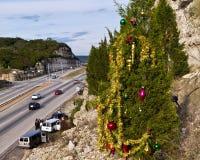 Albero di Natale della guerriglia sopra la strada principale di Austin fotografia stock libera da diritti