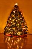 Albero di Natale domestico meravigliosamente decorato Immagini Stock Libere da Diritti