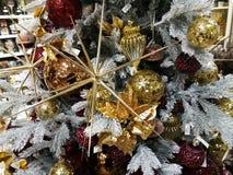 Albero di Natale e decorazioni di natale Immagine Stock