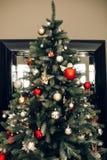 Albero di Natale e decorazioni di natale Immagine Stock Libera da Diritti