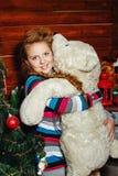 Albero di Natale e della ragazza Fotografia Stock Libera da Diritti