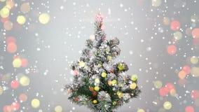 Albero di Natale e luci vaghe Immagini Stock Libere da Diritti