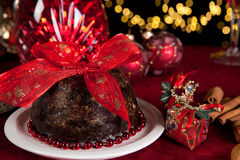 Albero di Natale e pudding di prugna immagine stock libera da diritti