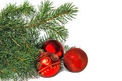 Albero di Natale e sfere rosse immagini stock libere da diritti