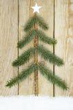 Albero di Natale Handcrafted dai rami dell'abete Fotografia Stock Libera da Diritti