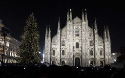Albero di Natale a Milano fotografie stock libere da diritti