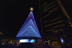 Albero di Natale nel citylife Huawei Milano immagini stock libere da diritti