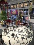 Albero di Natale nell'ingresso del centro commerciale Forum-Leopoli Fotografie Stock