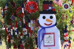 Albero di Natale patriottico in Fort Myers, Florida, S.U.A. Fotografie Stock Libere da Diritti