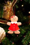 Albero di Natale, rami attillati, coni Giocattoli di Natale, decorazioni, regali Fotografia Stock