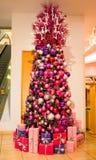 Albero di Natale rosa elegante Immagine Stock