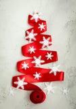 Albero di Natale rosso del nastro Fotografia Stock Libera da Diritti