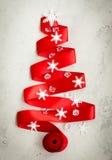 Albero di Natale rosso del nastro Immagini Stock Libere da Diritti