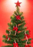 Albero di Natale sotto neve Immagini Stock