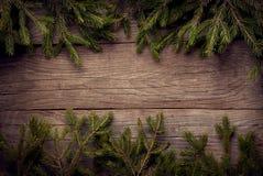 Albero di Natale su fondo di legno Fotografia Stock Libera da Diritti