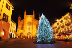 Albero di Natale sulla plaza centrale. Alba, Italia. Fotografia Stock Libera da Diritti