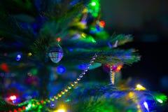 Albero di Natale variopinto della sfuocatura Immagine Stock