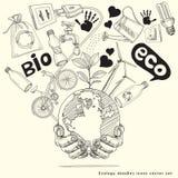 Albero di scarabocchio di ecologia sulla terra in mani. Fotografia Stock Libera da Diritti