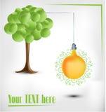 albero di verde 3d con la lampadina gialla electical Fotografie Stock Libere da Diritti