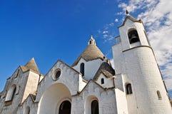 Alberobello的, Apulia圣安东尼教会。 意大利 免版税库存照片