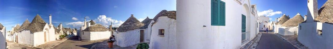 Alberobello, Apulia Όμορφη πανοραμική άποψη πόλεων Στοκ Φωτογραφία