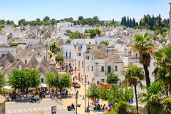 Alberobello, Puglia, Itália, panorama Imagens de Stock