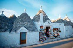 ALBEROBELLO traditionella trullihus i Alberobello, Italien Fotografering för Bildbyråer
