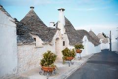 ALBEROBELLO, Tradycyjni trulli domy w Alberobello, Włochy Zdjęcie Royalty Free