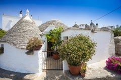 Alberobello Trulli意大利村庄 免版税库存图片
