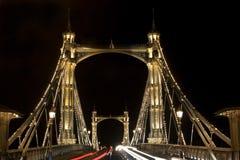 Albert Bridge in Londen. Nacht Royalty-vrije Stock Afbeelding