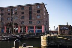 Albert Dock é um complexo de construções e de armazéns da doca em Liverpool, Inglaterra Foto de Stock Royalty Free