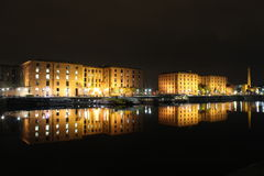 Albert Dock Livepool Night royaltyfri foto