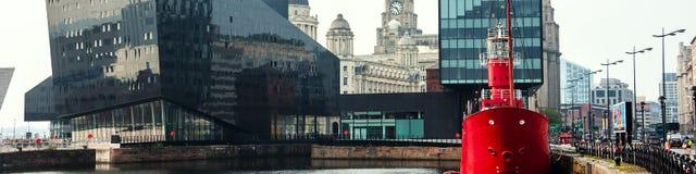Albert Dock in Liverpool, UK - het complex van gebouwen en pakhuizen Stock Foto's