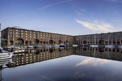 Albert Dock på Liverpool strand royaltyfria foton