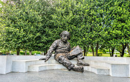 Albert Einstein Memorial, uma estátua de bronze na Academia Nacional das Ciências em Washington, D C foto de stock