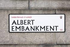 Albert Embankment Sign imagens de stock