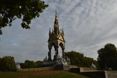 Albert Memorial à Londres, Angleterre Photographie stock libre de droits