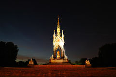 Albert Memorial alla notte Fotografie Stock